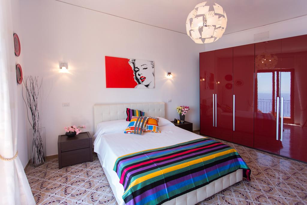 """Camera da letto """"Pop art"""" BeB Amalfi Casa Baglio"""